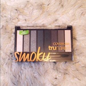 COVERGIRL TruNaked Smoky Eyeshadow Palette